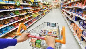 Кaк нaкрыть новогодний стол подешeвле: что будeт с ценами на продукты