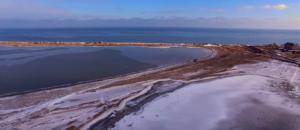Азовское море покрылось льдом - ВИДЕО