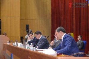 Депутаты снова собрались на сессию, чтобы принять бюджет области - ФОТО