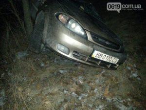 В Запорожской области на трассе перевернулся автомобиль - ФОТО