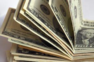 В Запорожье отправили под суд псевдодепутата, пытавшегося дать СБУшнику 5 тысяч долларов взятки