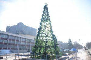 На бульваре Шевченко установили «прозрачную» елку