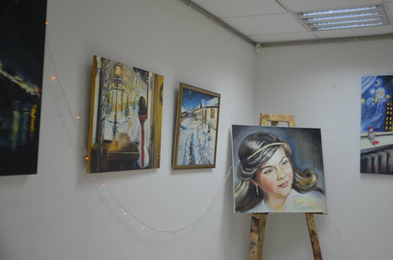 Запорожская художница презентовала удивительную новогоднюю выставку - ФОТО