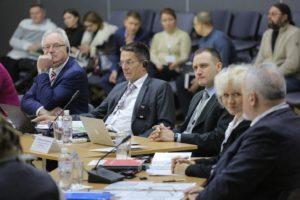 В Запорожье эксперты, экологи и специалисты дискутировали, как воссоединить интересы бизнеса и экологии без вреда для окружающей среды