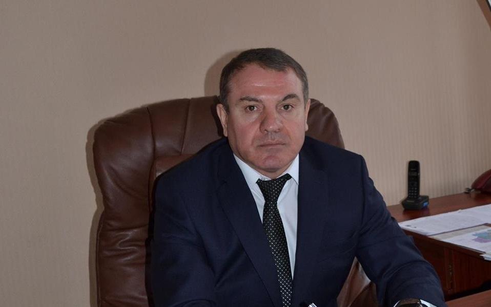 Глава Токмакской РГА солгал в декларации, что платит сам себе за кредит