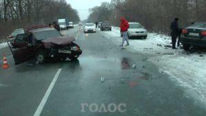 На запорожской трассе произошло серьезное ДТП - ФОТО