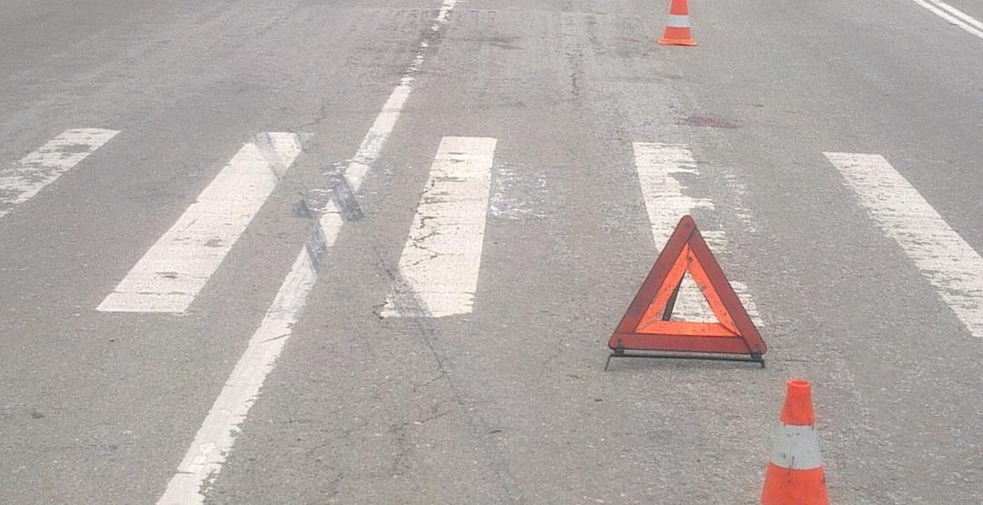 Появилось видео аварии около «Макдональдса», где водитель легковушки сбил ребенка