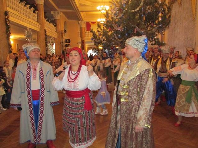 Запорожская филармония присоединилась к всеукраинскому рождественскому флешмобу