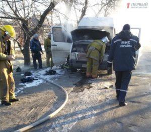 В Запорожской области загорелась маршрутка - ФОТО