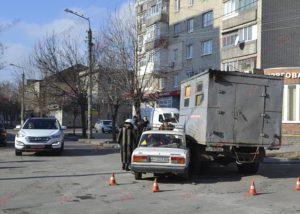 В Запорожской области автомобиль аварийной службы попал в ДТП - ФОТО