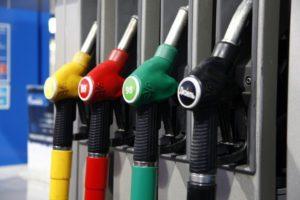 Скандальное КП «Автохозяйство» покупает бензин у партнеров Коломойского
