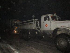 В Запорожье спасатели вследствие гололеда вытаскивали четыре грузовика - ФОТО