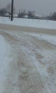 Запорожцы жалуются на нерасчищенные дороги - ФОТО