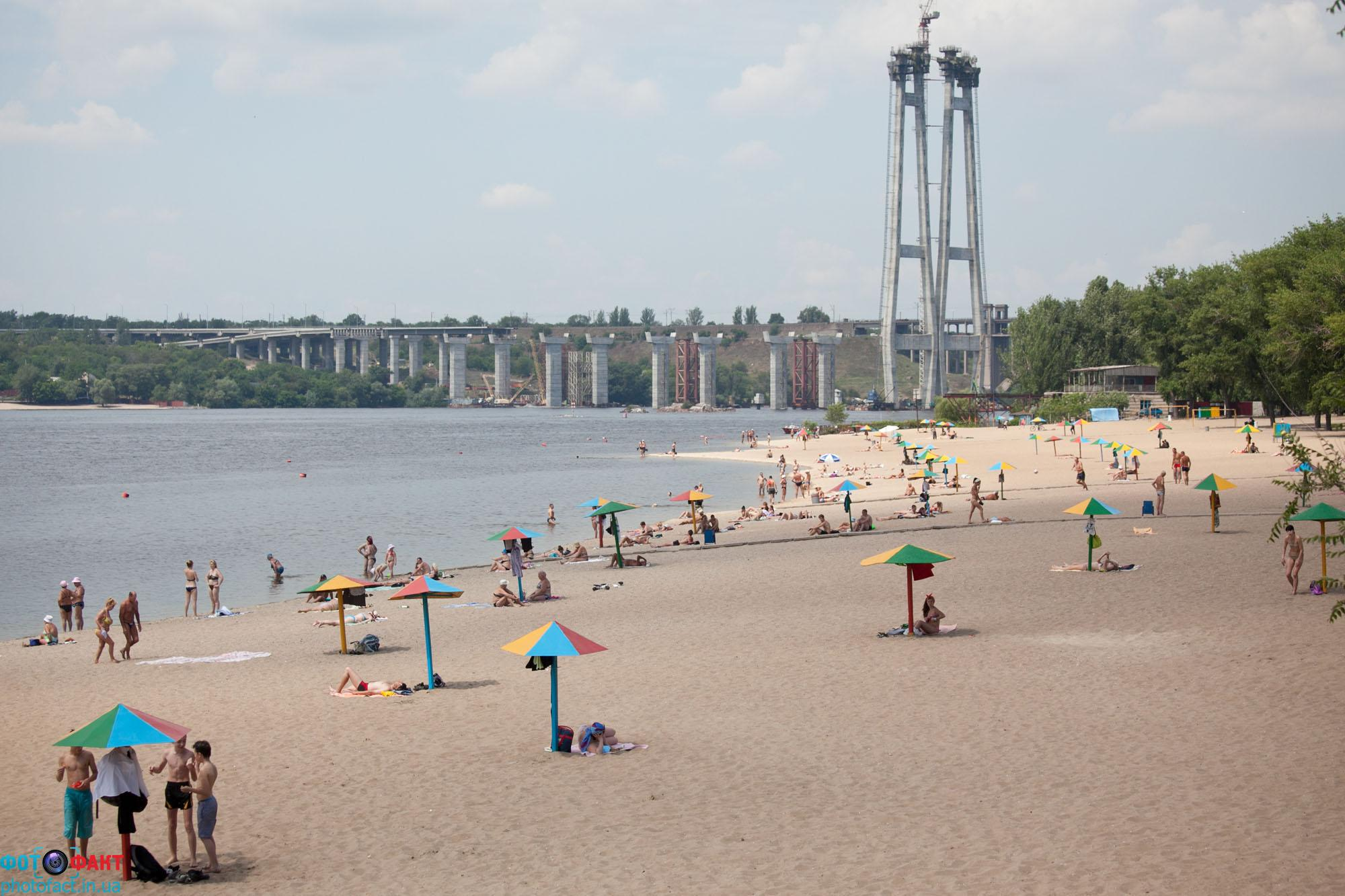 Запорожцы требуют привести городские пляжи в порядок