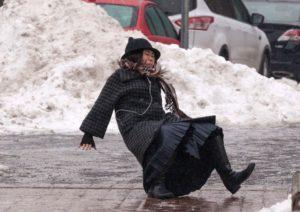 В Запорожской области из-за гололеда погибла женщина