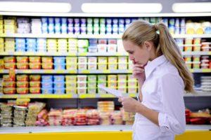 В запорожском супермаркете женщина купила десерт с волосами - ФОТО