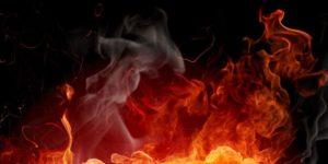 В Запорожской области женщина едва не погибла при пожаре в заброшенном здании