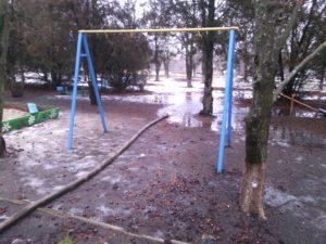 В Запорожской области растаявший снег затопил школу - ФОТО
