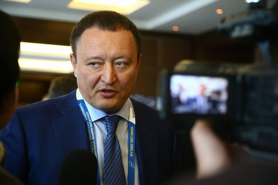 Суд начал рассматривать иск о защите чести и достоинства запорожского губернатора