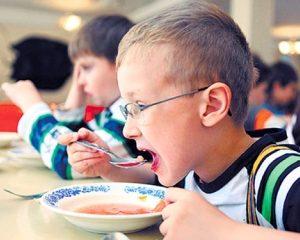 Стало известно, чем будут кормить детей в запорожских школах