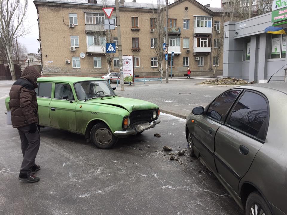 В Запорожской области депутат горсовета не справился с управлением и попал в ДТП - ФОТО