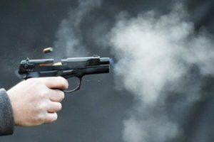 В Запорожье мужчина устроил стрельбу, чтобы впечатлить незнакомых девушек - ФОТО