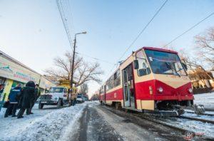 В Запорожье чуть не загорелся трамвай с пассажирами - ФОТО