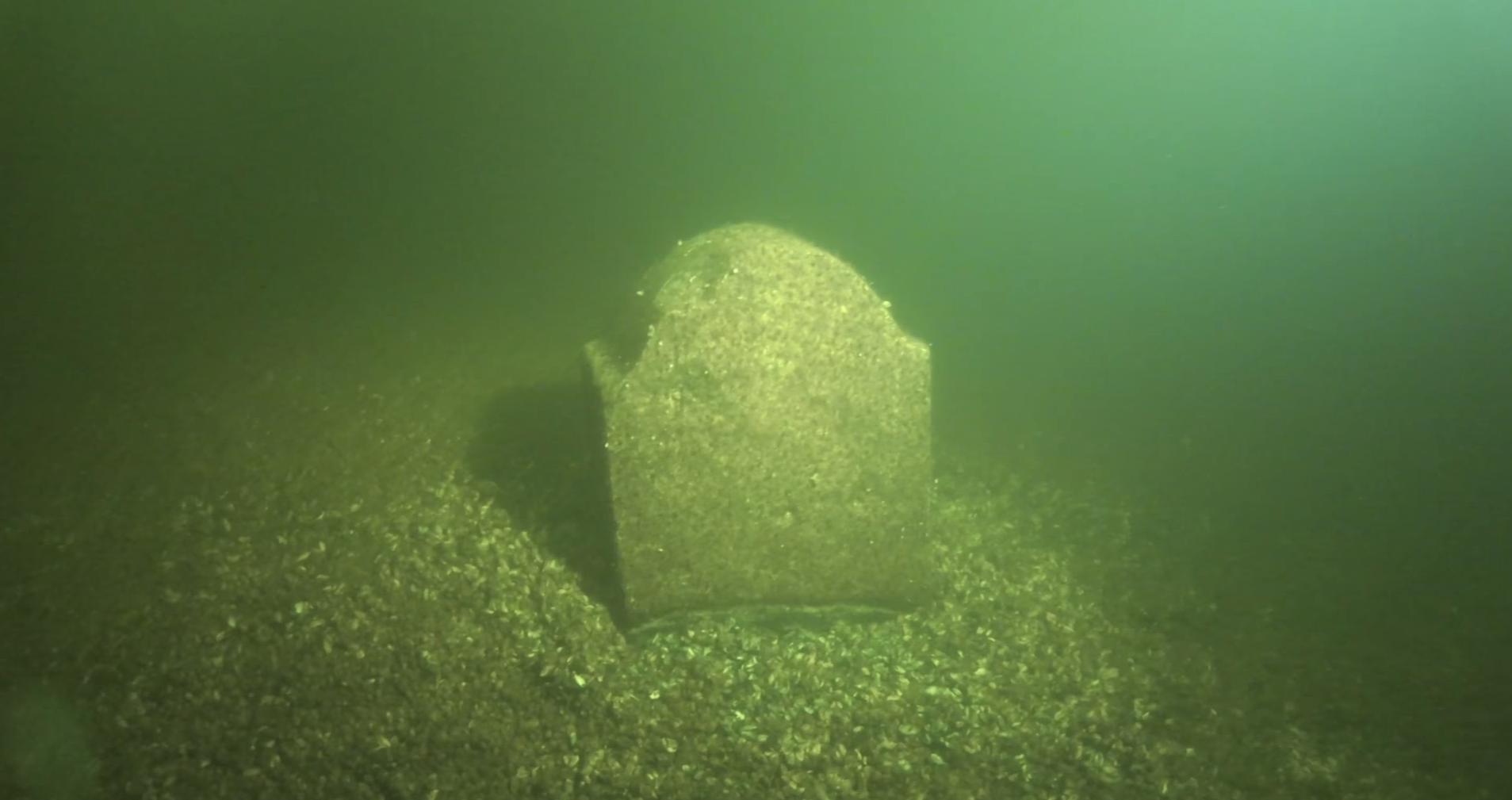 Запорожский дайвер обнаружил в водах Днепра останки старинного кладбища - ФОТО, ВИДЕО