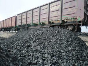Через Запорожскую область массово идут составы с углем из Донбасса
