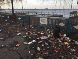 Запорожье утопает в мусоре - ФОТО