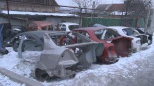 Полиция накрыла в Запорожском районе пункты разборки угнанных авто - ФОТО