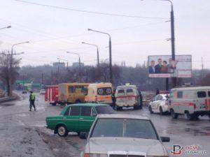В Запорожье водитель «Таврии» на огромной скорости влетел в маршрутку: есть жертвы - ФОТО