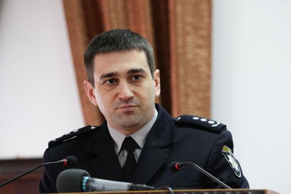 Семья главы Запорожской полиции Олега Золотоноши получает в подарки ценные иконы и ювелирные украшения