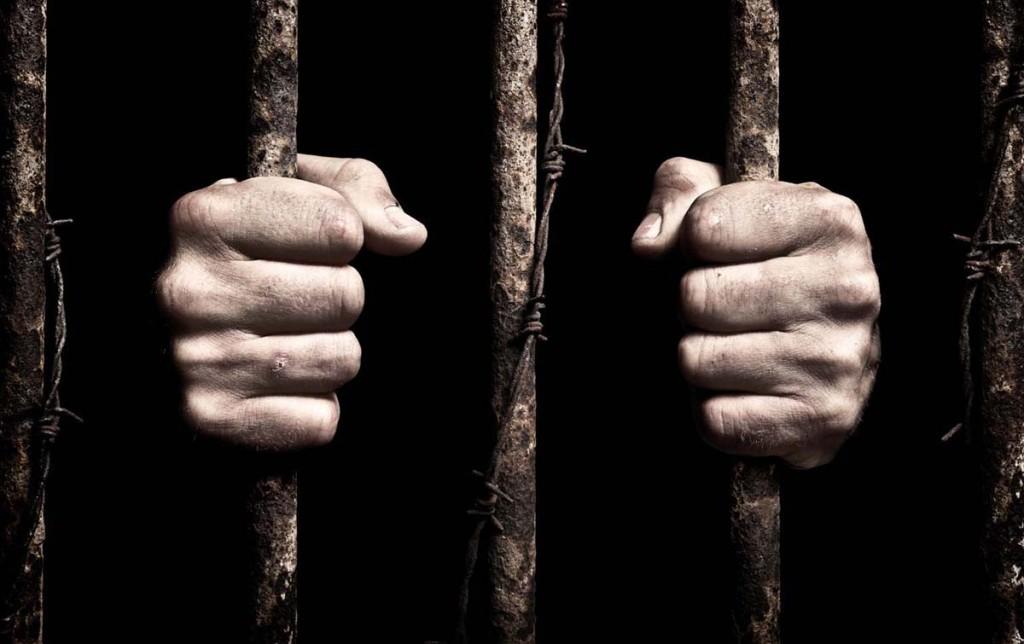 Злоумышленник, который избил на остановке девушку и подрезал ее защитника, проведет в тюрьме шесть лет
