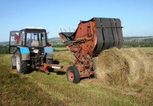 В Запорожском областном центре занятости научат водить трактор почти за 8 тысяч гривен