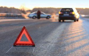 В Запорожье пьяный водитель врезался в дерево: авто в смятку - ФОТО