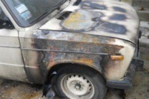 Неприятели подожгли автомобиль жителю Запорожской области