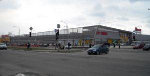 В Запорожье на парковке «Ашана» легковушка сбила пешехода
