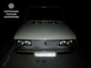 В Запорожье мужчина с подростком пытались обокрасть авто - ФОТО