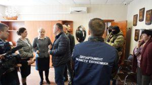 В Бердянском морском порту силовики проводят обыски, - ФОТО, ВИДЕО (ОБНОВЛЕНО)
