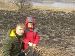 В Запорожье отец с сыном спасли Хортицу от пожара - ФОТО, ВИДЕО