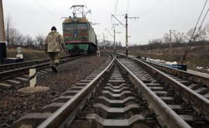 Официальная блокада Донбасса может привести к отключению электроэнергии по всей стране