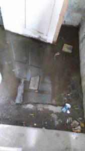 В подвале запорожского дома появился «бассейн» - ФОТО