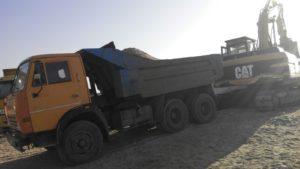 С Запорожской области незаконно вывозят песок КамАЗами - ФОТО