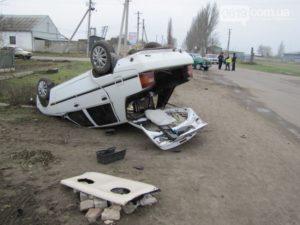 В Запорожской области в результате ДТП перевернулся автомобиль - ФОТО