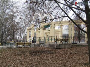 Запорожский парк Дубовая роща «завис» в ожидании капитальной реконструкции - ФОТО, ИНФОГРАФИКА