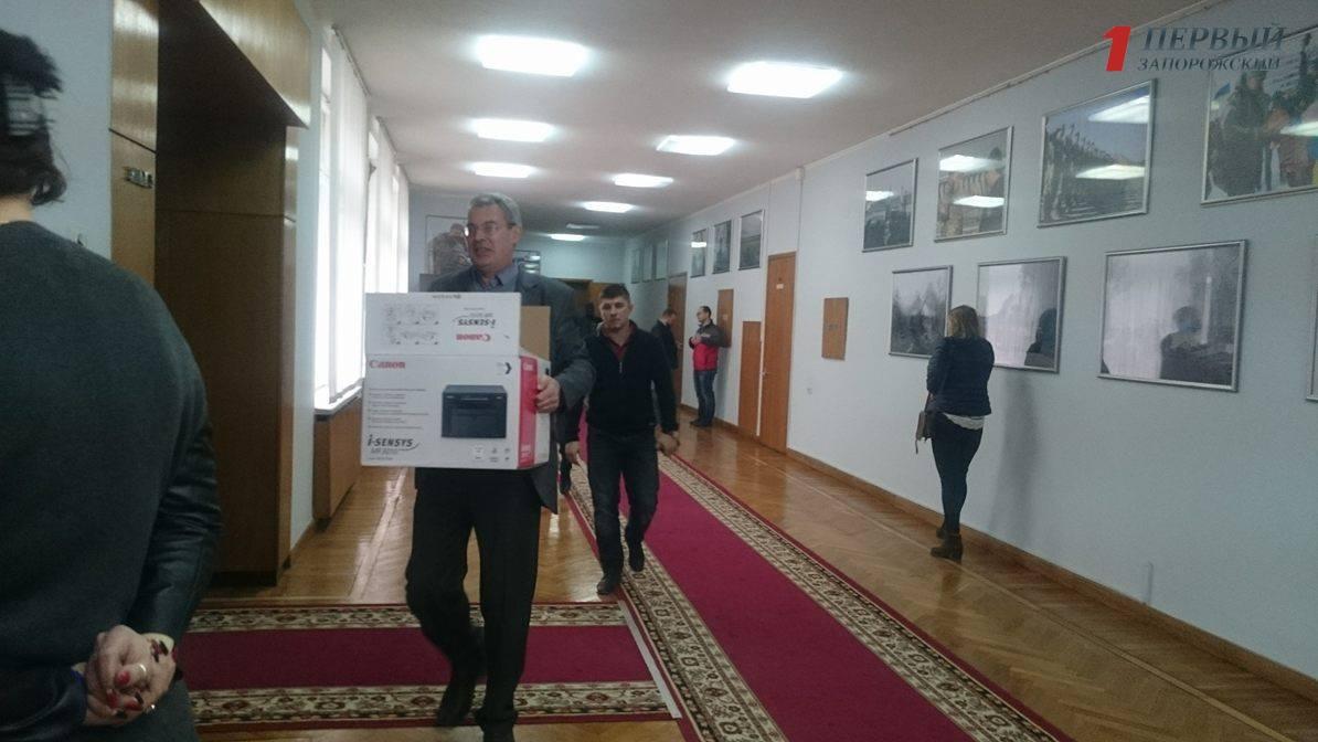 В Запорожской облгосадминистрации НАБУ проводит обыски - ФОТО