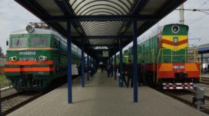 Новый начальник Приднепровской железной дороги задекларировал 13 миллионов гривен «налички», телевизор за полмиллиона гривен, дорогостоящие картины и библиотеку