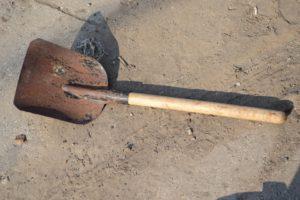 В Запорожской области мужчина убил товарища лопатой