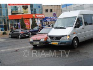 В Запорожской области в маршрутку с пассажирами врезалась легковушка: есть пострадавшие - ФОТО